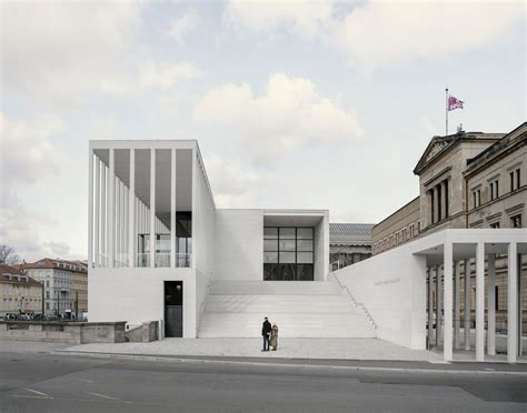 david chipperfield berlin david chipperfield architects opens simon galerie on