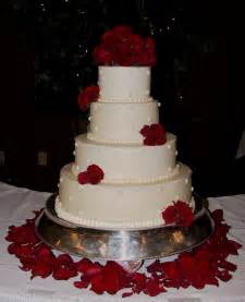 wedding cake with roses white wedding cake with fresh roses frankfort ky the twisted sifter
