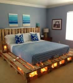 kopfteil bett ideen die 25 besten ideen zu palettenbett auf palettenbetten beleuchteter palette und