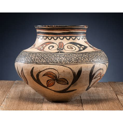 san ildefonso polychrome pottery jar cowans auction house  midwests  trusted auction