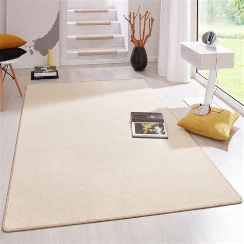 teppich beige kurzflor kurzflor uni teppich fancy einfarbig beige beganta de onlineshop f 252 r teppiche fu 223 matten