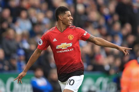 man utd open marcus rashford contract talks