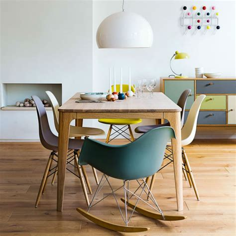 chaises colorées the best playful ways to set a dining table and 6 chairs