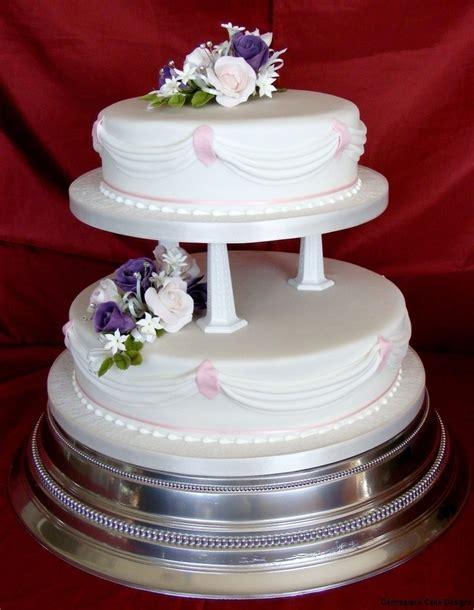 tiered wedding cakes isle  wight wedding cake bakers