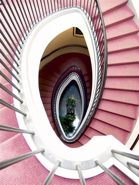 teppich auf treppe verlegen teppich auf einer treppe verlegen 187 so wird s gemacht
