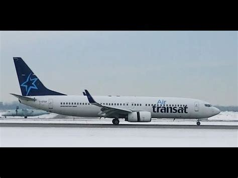 boeing 737 air transat landing at montreal