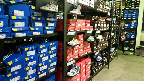 adidas factory outlet melbourne