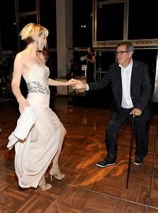 Jenna Elfman Photos Photos - Dizzy Feet Foundation's ...
