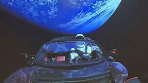 Tesla Dans Lespace : elon musks tesla just missed mars orbit and is now heading towards an asteroid belt ~ Nature-et-papiers.com Idées de Décoration
