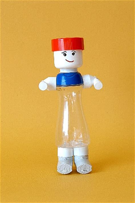 juguetes fabricados  partir de materiales reciclados