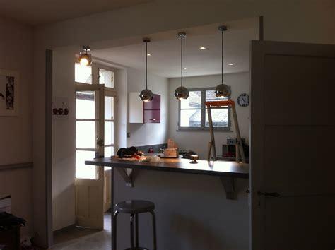 re eclairage cuisine eclairage d une cuisine avec suspensions déclic et spots à