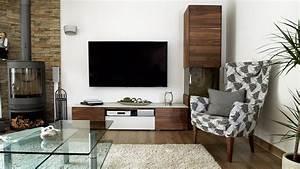 Grosser Teppich Wohnzimmer : wohnzimmer dunkler boden heller teppich glastisch dunkle wohnwand grosser flachbildfernseher ~ Sanjose-hotels-ca.com Haus und Dekorationen