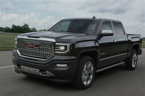 2016 Gmc Sierra Gets Refreshed Front Fascia, Led Headlights