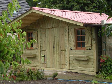 abri de jardin bois bricomarche abri de jardin savigny 5 00mx4 00m avec auvent cerisier abris de jardin en boiscerisier