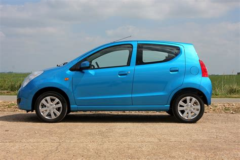 Alto Suzuki by Suzuki Alto Hatchback 2009 2014 Photos Parkers
