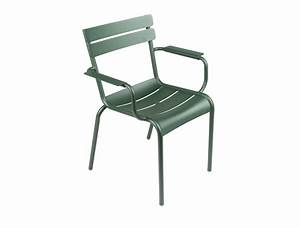 Fermob luxembourg colourful aluminium outdoor armchair for Fermob jardin du luxembourg 2 fermob luxembourg colourful aluminium outdoor armchair
