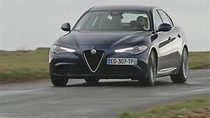 Essai Alfa Romeo Giulia : essai alfa romeo giulia 2 2 jtd 180 at8 lusso 2017 youtube ~ Medecine-chirurgie-esthetiques.com Avis de Voitures
