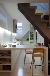 Cuisine design dans un appartement sous les combles for Appartement sous les combles