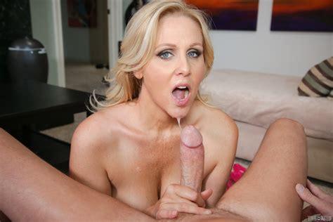 Julia Ann Busty Pornstar Gives Deepthroat Blowjob