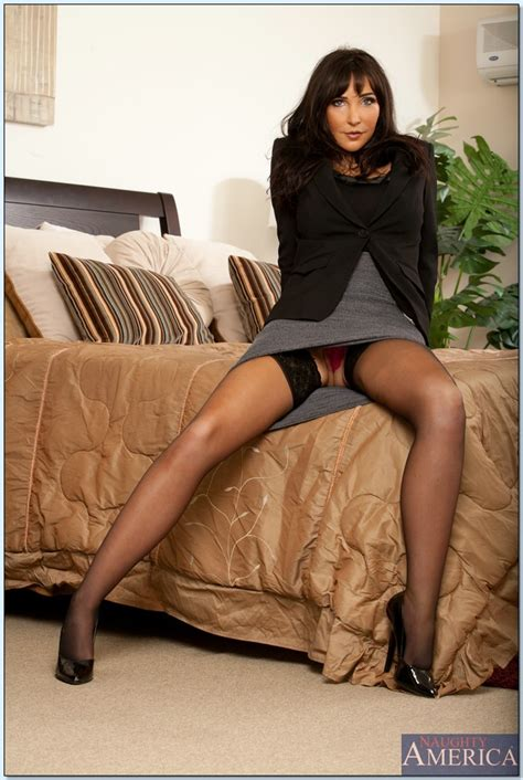 seductive milf in stockings diana prince stripping off her
