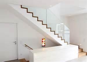 treppen kassel krieger treppen gmbh plz 56841 traben trarbach betontreppe mit holzstufen und glasgeländer
