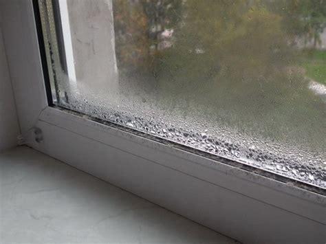 Потеют окна в квартире изнутри что делать почему потеют пластиковые окна народные средства