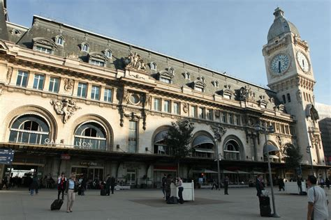 bureau change gare de lyon access to gare de lyon station and circulate in town