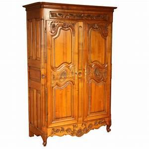 armoire combourgeoise style louis xv louis xv ateliers With meuble louis xv