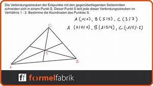 Seitenhalbierende Dreieck Berechnen Vektoren : vektorrechnung schnittpunkt der verbindungsstrecken zwischen ecke und seitenmitte im dreieck ~ Themetempest.com Abrechnung