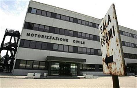 Ufficio Motorizzazione Bologna - sportello chiuso per lutto due inchieste sulla
