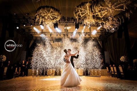 First Dance · Whiteloopstudio Wedding Pictures · Mexico