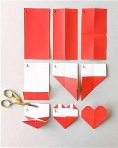 Gardinen Richtig In Falten Legen : lesezeichen basteln anleitung f r ein origami herz ~ Yasmunasinghe.com Haus und Dekorationen