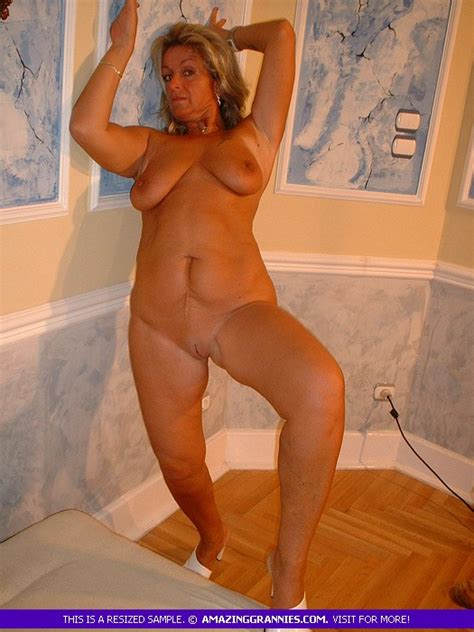 horny granny in naked is spanking her nice ass in doggy style xxx milfs