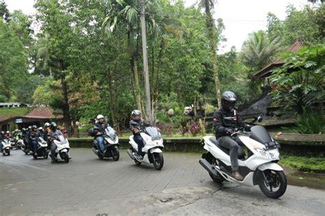 Pcx 2018 Banjarmasin by Pengguna Honda Pcx Lestarikan Destinasi Wisata Gilamotor