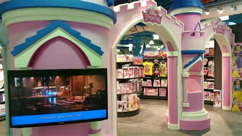 toys center san giuliano milanese cupole toys center e disney accordo per uno shop in shop vocato