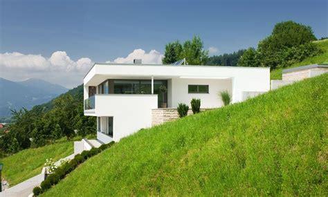 Moderne Häuser Mit Pool Kaufen by Einfamilienhaus Hanghaus Klaus Modern Edelstahlpool