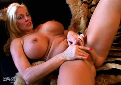 Mature Cougar Milf Masturbation