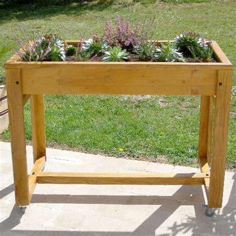 table 224 potager sur 233 lev 233 e en bois