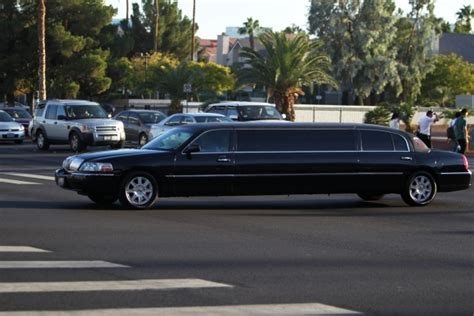Las Limo by Las Vegas Limo Driver Files Suit For Failure To Pay