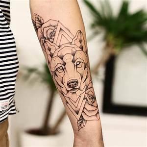 Loup Tatouage Geometrique : les 25 meilleures id es de la cat gorie tatouages de loup sur pinterest tatouage de manches d ~ Melissatoandfro.com Idées de Décoration
