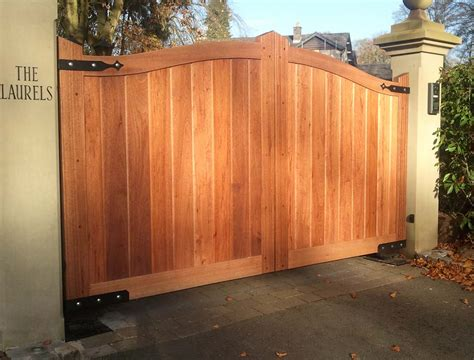 wood gates pictures wood driveway gates designs decor extraordinary wooden driveway gate for your outdoor home