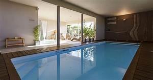 Piscine interieure piscines magilines for Pompe a chaleur maison 17 piscine interieure piscines magilines
