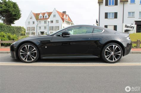 aston martin  vantage carbon black edition  july