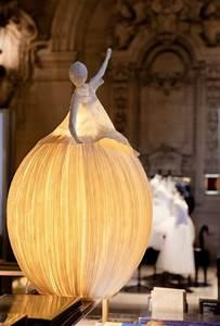 Lampe Aus Pappmache : papier lampenschirm basteln diy lampen f r mehr visuelles interesse ~ Markanthonyermac.com Haus und Dekorationen