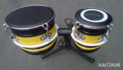 Secara umum, jenis alat musik jika dikelompokkan berdasarkan fungsinya dibagi menjadi tiga, yakni melodis, harmonis, dan ritmis. Contoh Alat Musik Ritmis Buatan Sendiri
