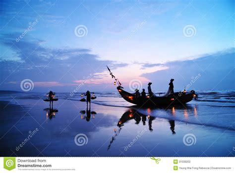 Boat Dealers Near Pymatuning Lake by Fishing Boats Stock Photo Cartoondealer 23622762