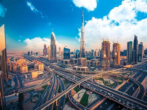 Dubai's private sector activity gains traction in April ...