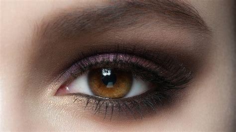 Comment maquiller des yeux ronds ? Femme Actuelle Le MAG
