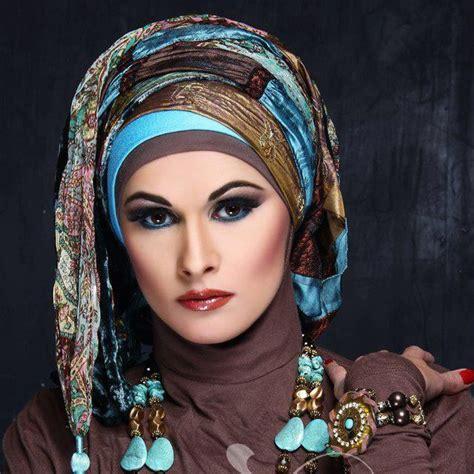 wear  arabic style hijab