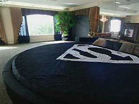 Shaq Superman Bed by The Bed In The World For The Nba S Tallest Players